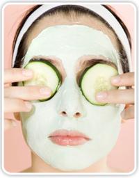La máscara para las personas de pepinos de los granos