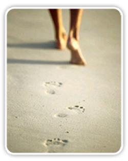 Caminar por la playa: una dosis extra de relax y salud