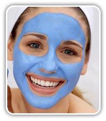 Las máscaras para la persona de la arcilla de las manchas de pigmento