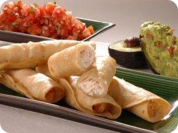 Flautas mexicanas de pollo y queso