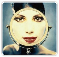 mujer-espejo-aumento.jpg