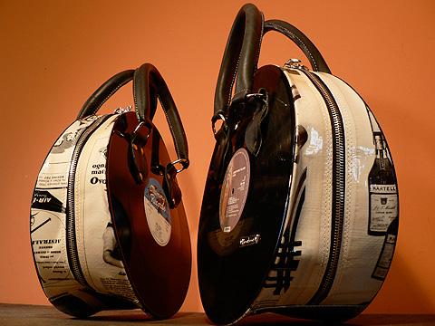 bolsos de vinilo Reciclando antiguos discos de vinilos