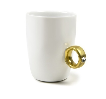 taza-con-anillo.jpg