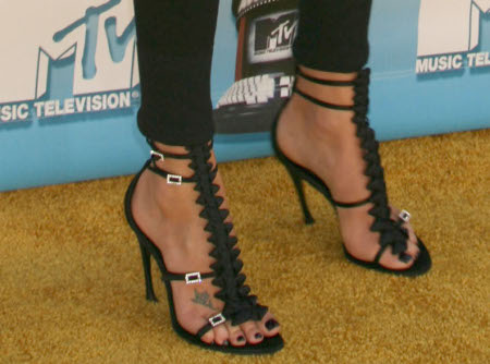 charlize-theron-zapatos1.jpg