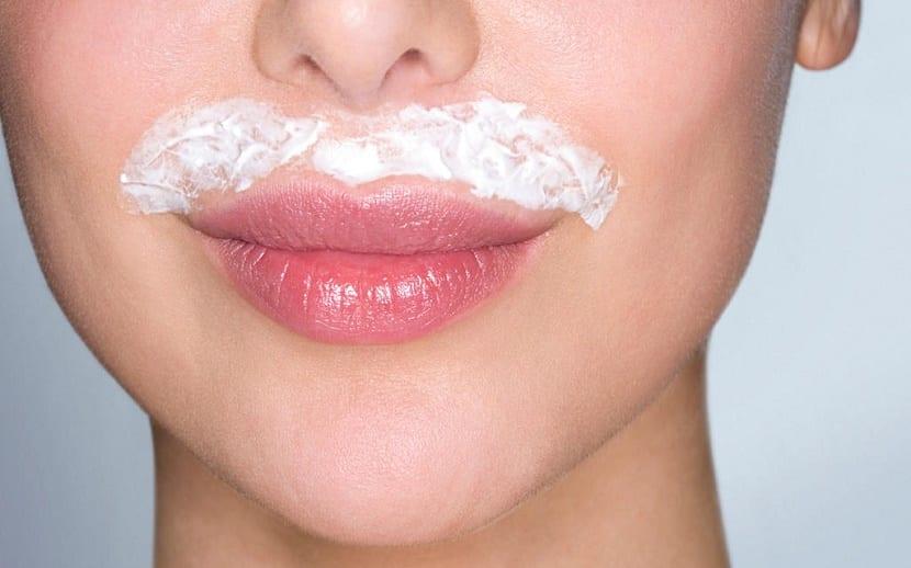 Decolorante en bigote