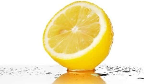 Te enseñamos a hacer: Agua de colonia de limón