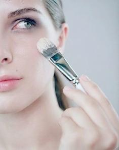 maquillaje según la forma de la cara triangular