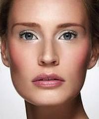 Maquillaje para ojos juntos