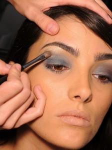 maquillaje iluminar ojos