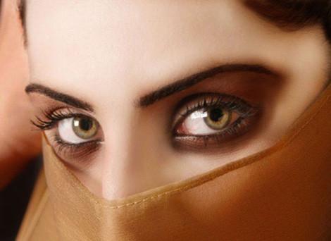 Maquilla tus ojos para robar todas las miradas