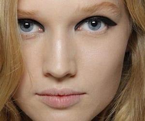 Productos para evitar brillos en la cara