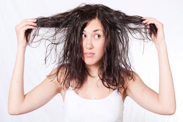 ¿Por qué se daña nuestro cabello?