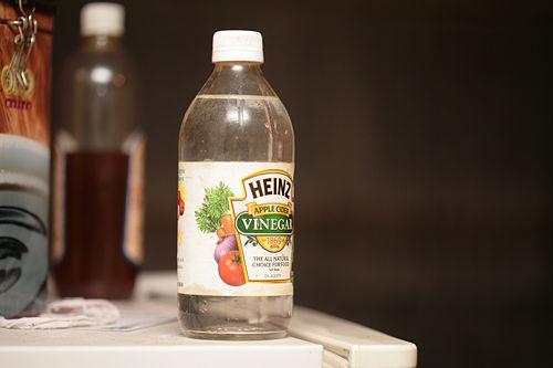 el vinagre blanco sirve para los hongos de las unas