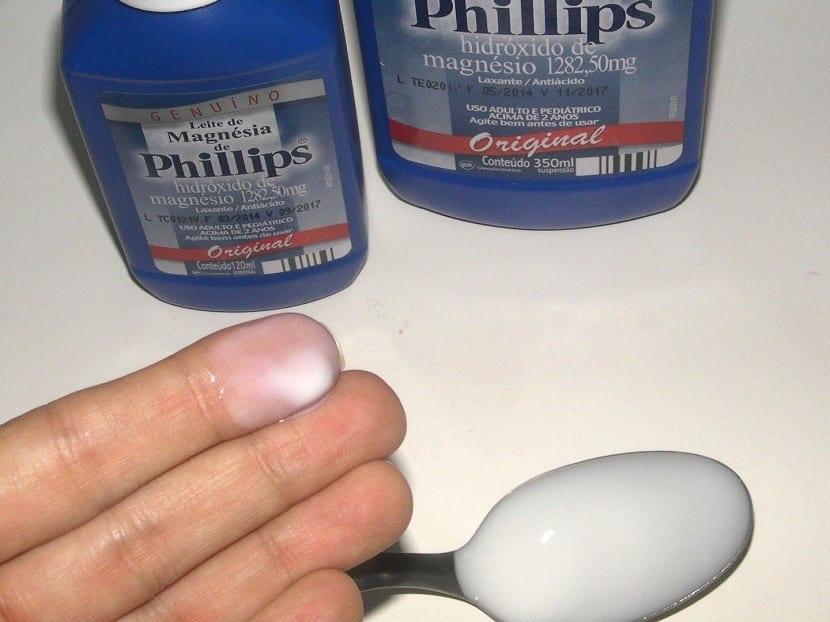 Textura de la leche de magnesia