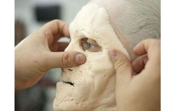 Prótesis de látex para el rostro