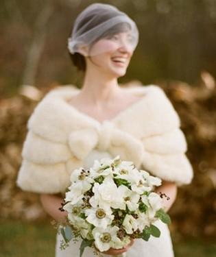 capa de novia con piel