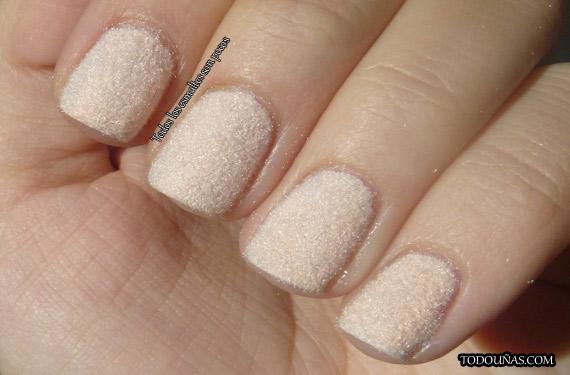 velvet-nails