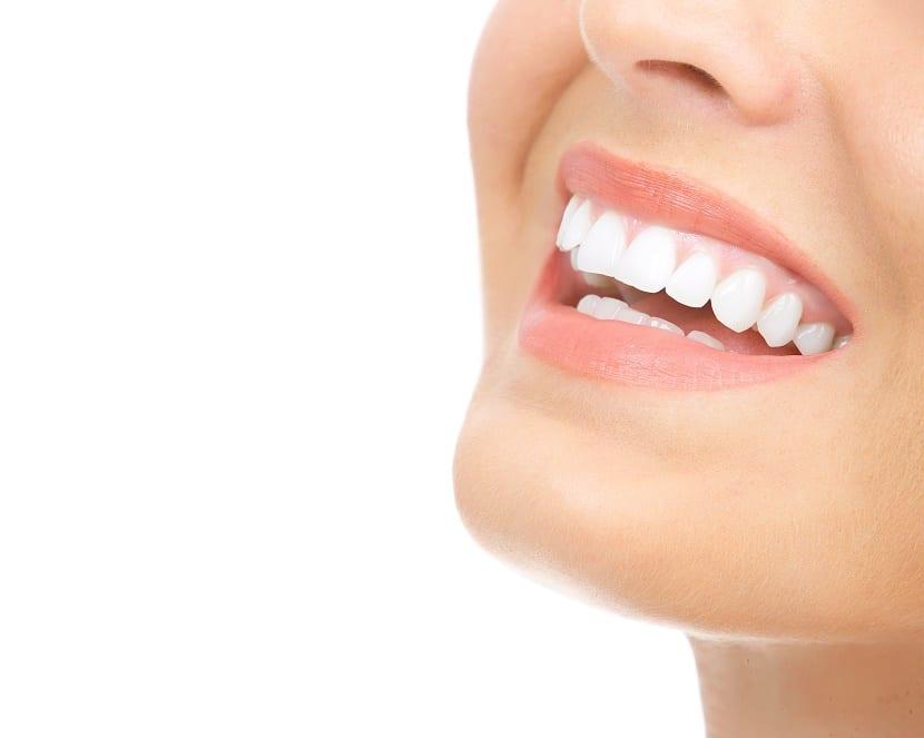 Manchas blancas en dientes