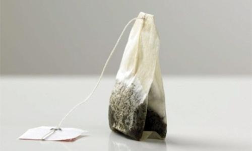 Usar bolsas de té para uña rota