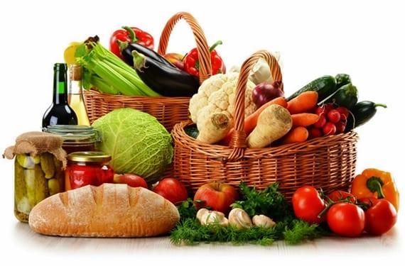cesta con alimentos
