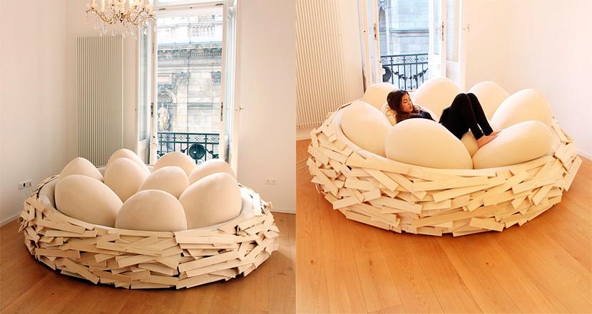 Cama con dise o espectuacular nido de p jaros - Cojines grandes para cama ...