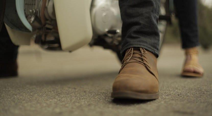 zapato de cuero desgastado portada