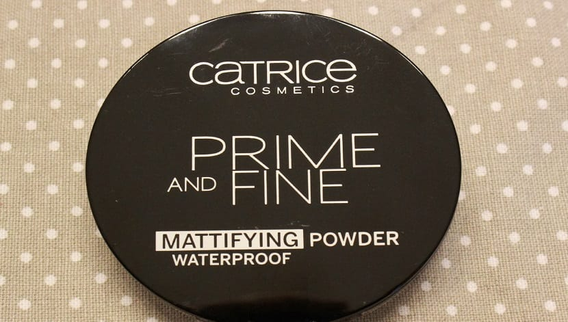 Catrice prime and fine mattifying powder waterproof review swatch