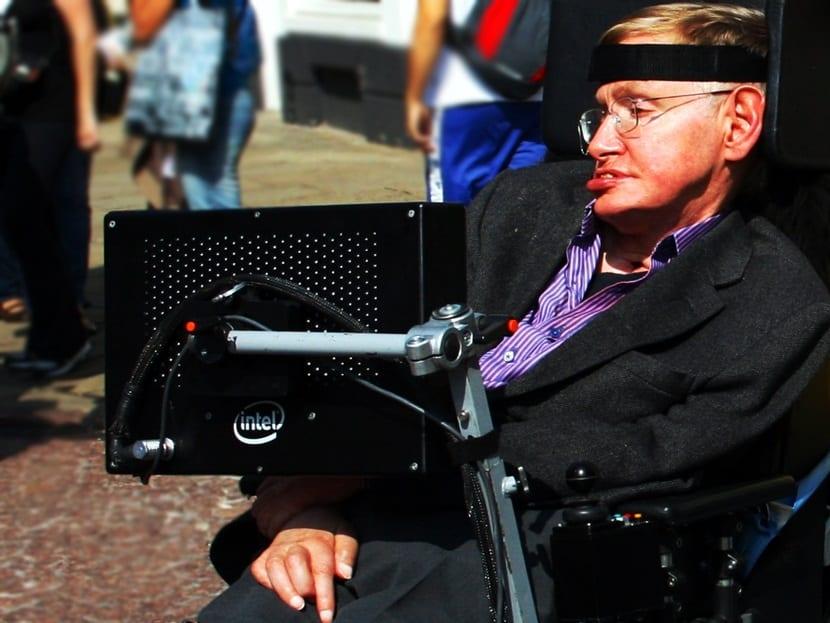 Stephen_Hawking_in_Cambridge