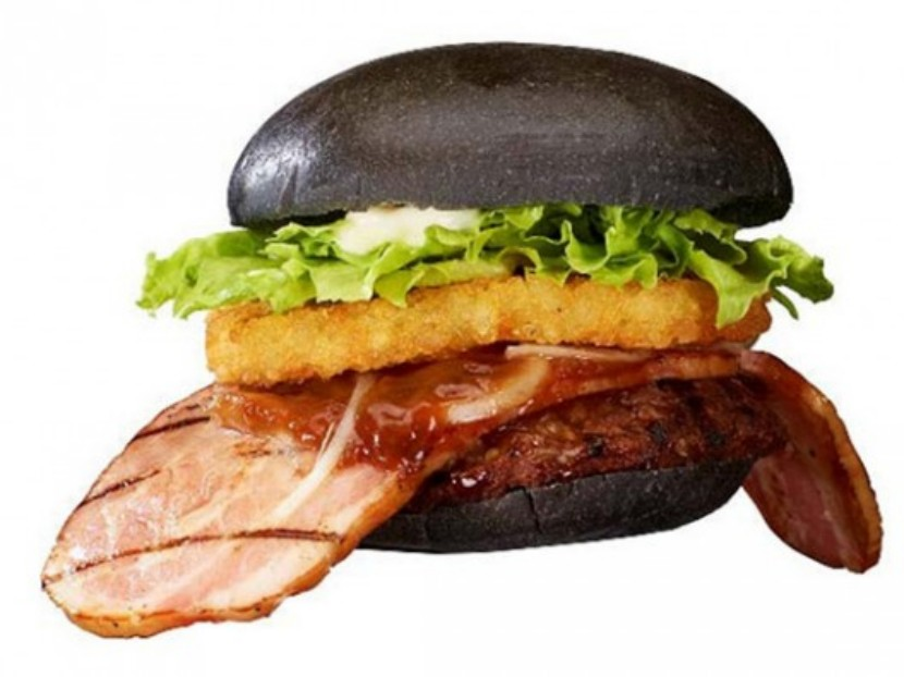 Hamburguesa de pan negro