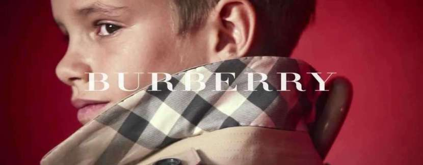 Romeo Beckham protagoniza la campaña de Burberry