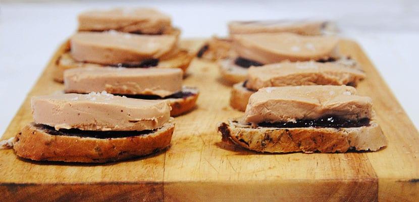 Canapés.foie-jamon-de-pato