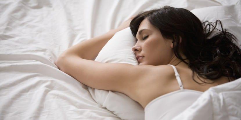 mujer durmiendo3