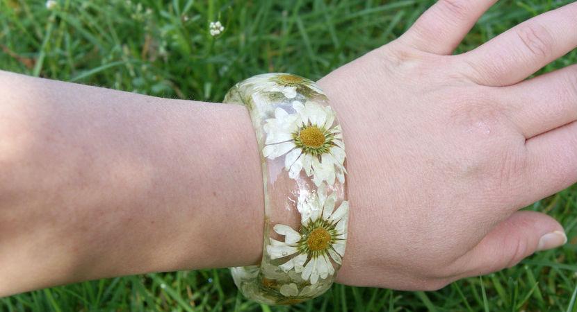 anillos-brazaletes-flores-resina-09
