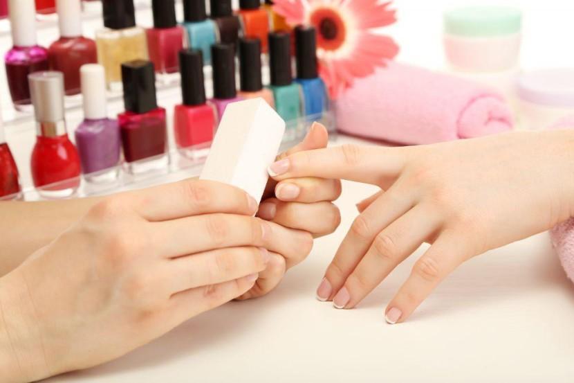Cómo nutrir tus manos antes de la manicura
