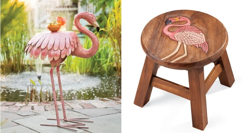 Flamencos en mesas de madera