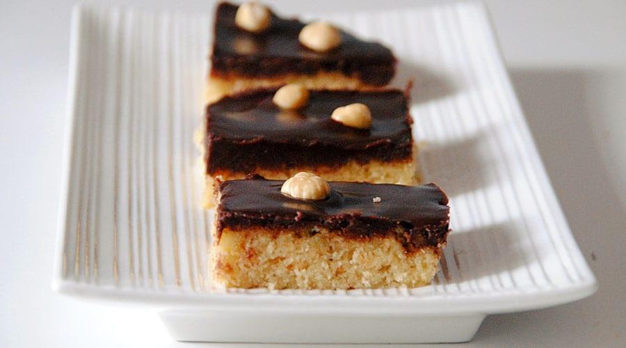 Bocados de avellana y chocolate