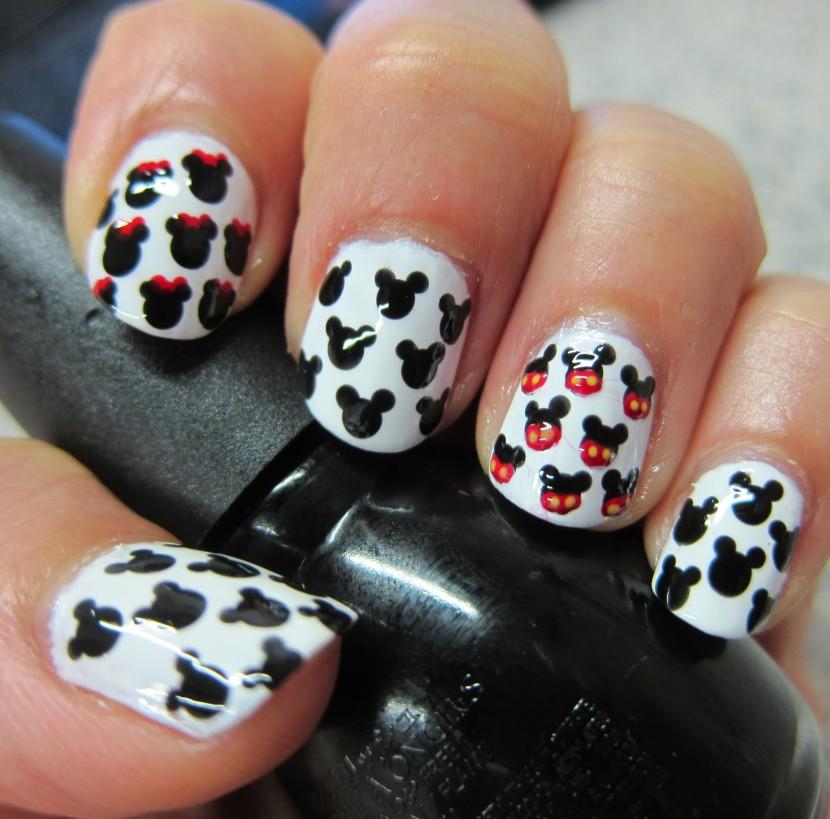 Diseño de uñas Mickey Mouse