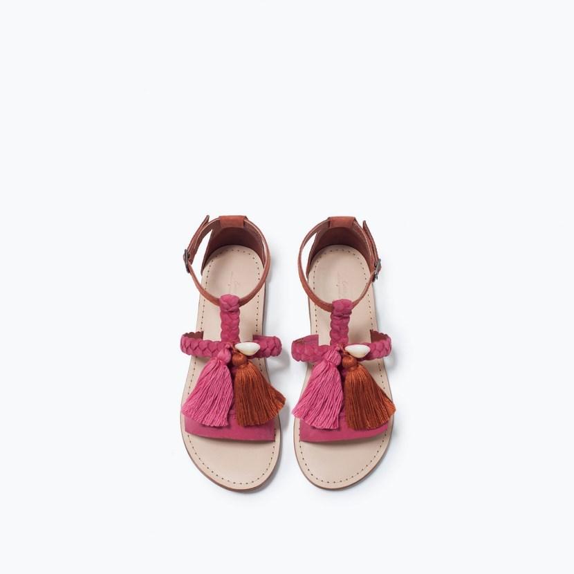 Sandalias de niña con borlas