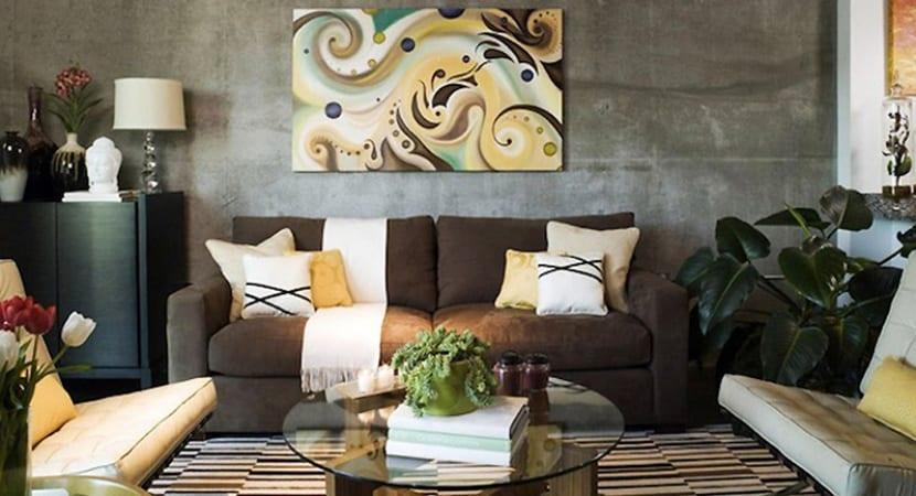 Sofa mullido de respaldo alto