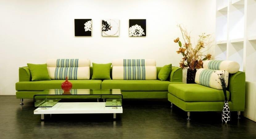 Sofa tapizado en verde