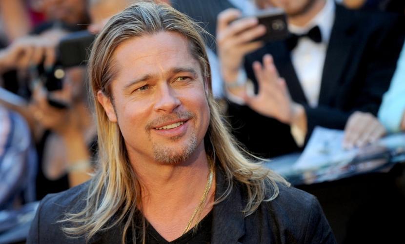 Brad Pitt con cabello largo