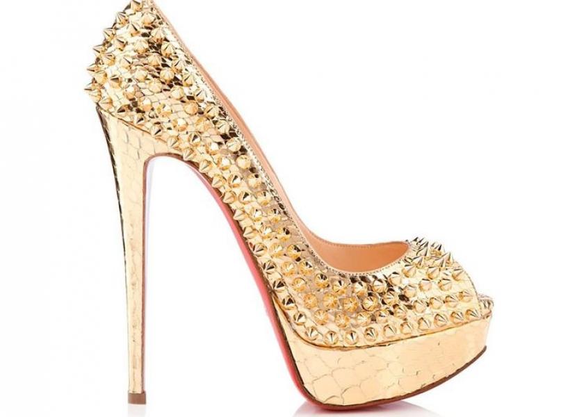 Zapatos de tacón por Louboutin