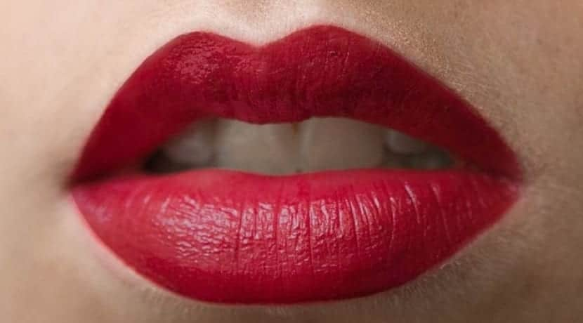 Labiales en color rojo