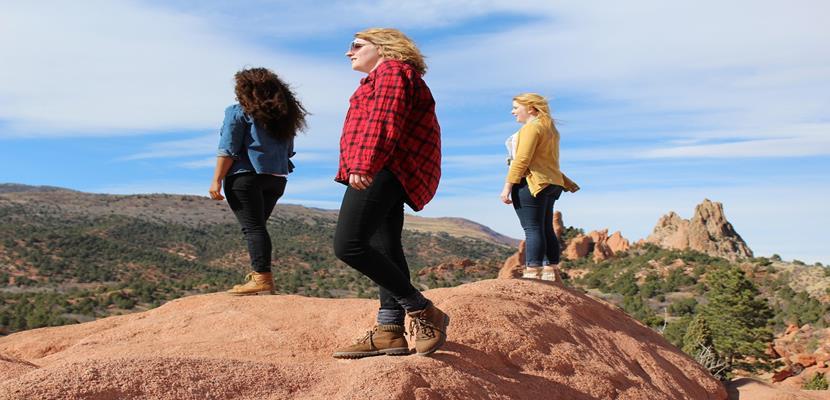 mujeres en montaña (1)