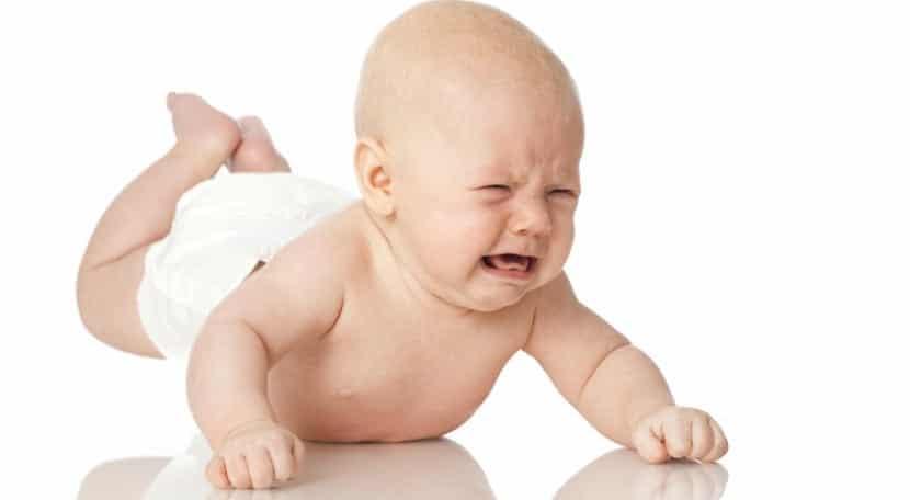 bebe llorando