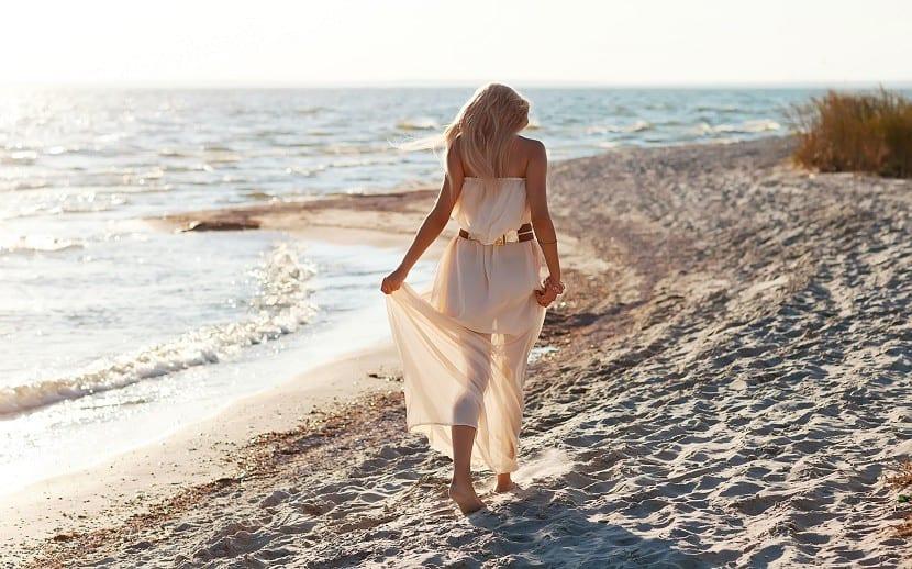 caminar por la playa sensaciones