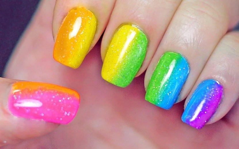Pintar uñas fácil