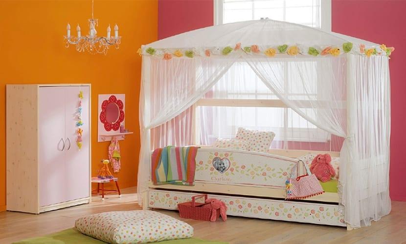 Dosel para una cama infantil