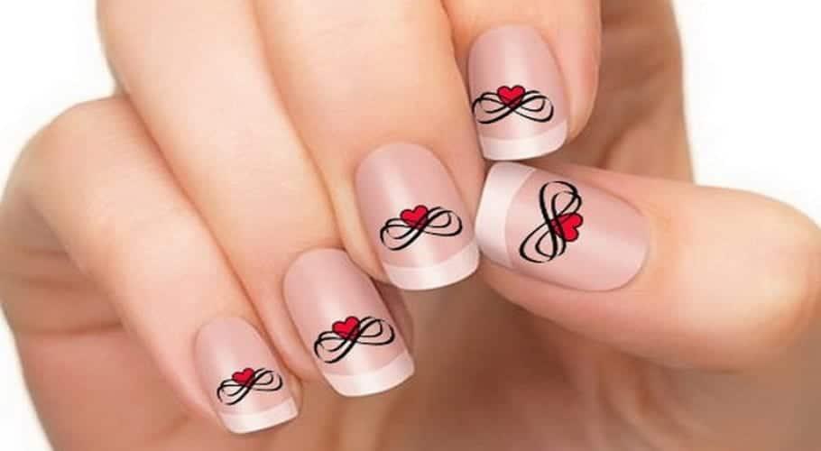 Diseños de uñas fáciles, románticos y a la moda
