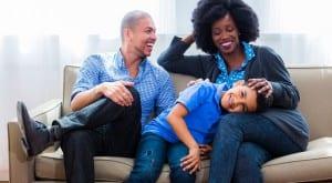 Familia con un hijo único